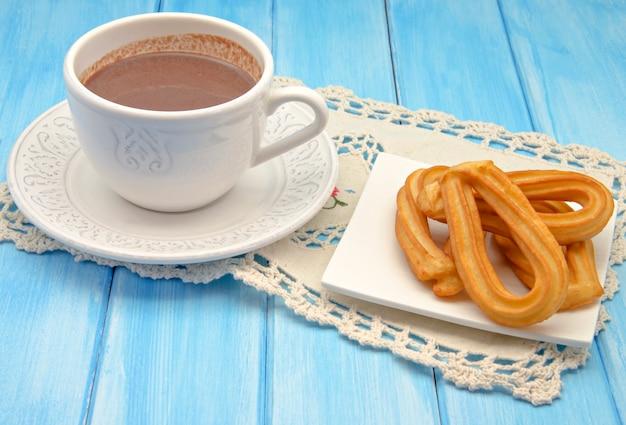 Xícara de chocolate quente Foto Premium