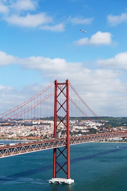 25 de abril brücke in portugal Premium Fotos