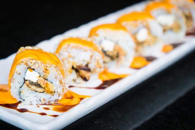 Aal-Sushi-Brötchen mit Käse Kostenlose Fotos