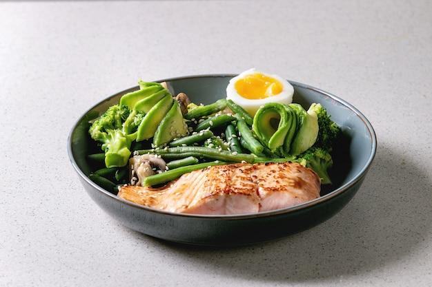 Abendessen mit ketogener diät Premium Fotos