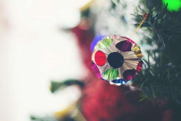 Abschluss oben des verzierten weihnachtsbaums Kostenlose Fotos