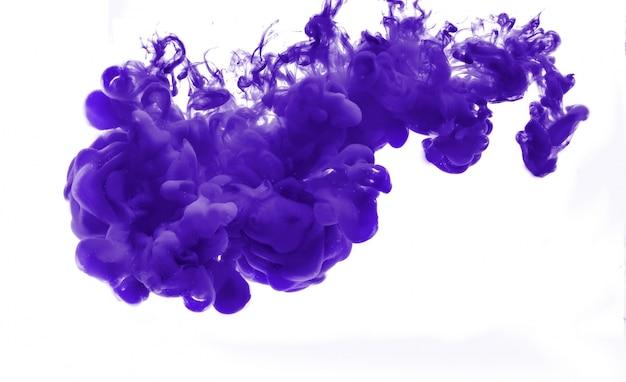 Abstrakt gebildet durch die farbe, die sich in wasser auflöst Kostenlose Fotos