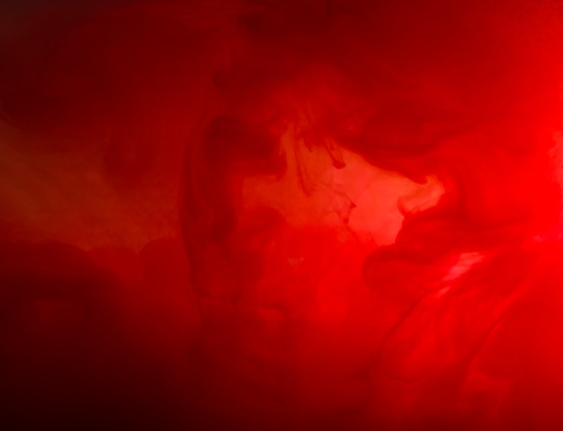 Abstrakte wolke zwischen rotem dunst Kostenlose Fotos