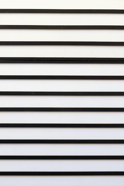 Abstraktes modernes muster mit parallelen schwarzweiss-streifen. Premium Fotos