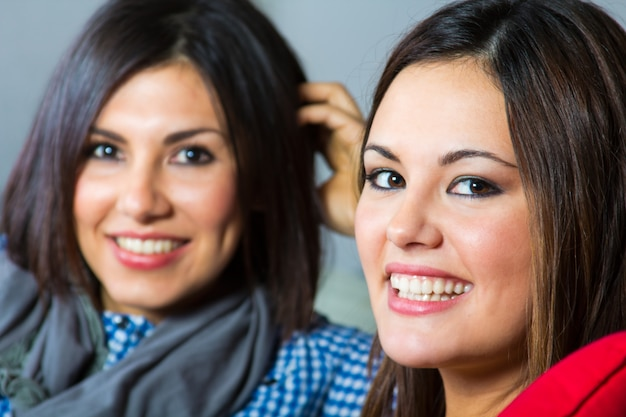 Abwechslung sonrisa belleza latina mujer Premium Fotos