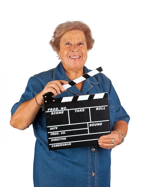 Ältere frau mit klöppelbrett Premium Fotos