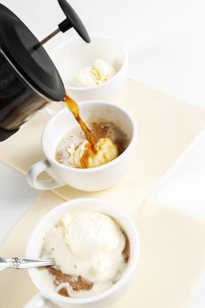 Affogato-kaffee mit eis auf einer tasse Kostenlose Fotos