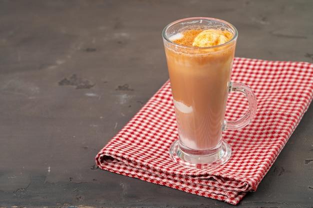 Affogato-kaffee mit eis im glas Premium Fotos
