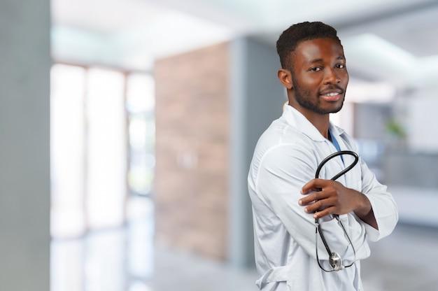 Afroamerikaner arzt mann Premium Fotos