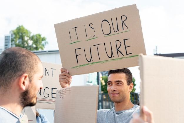 Aktivisten versammelten sich zur demonstration Kostenlose Fotos
