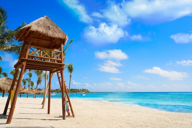 Akumal beach baywatck tower riviera maya Premium Fotos