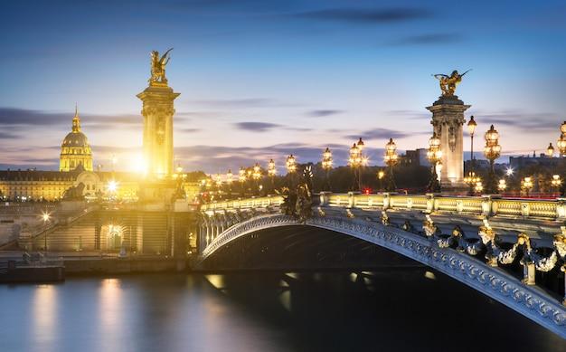 Alexandre 3 brücke in paris, frankreich Premium Fotos