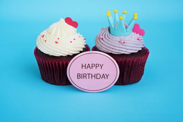 Alles Gute Zum Geburtstag Cupcake Mit Krone Und Rotem Herz