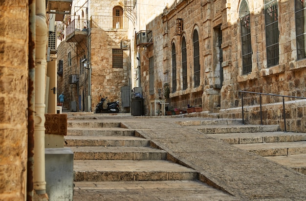 Alte gasse im jüdischen viertel, jerusalem Premium Fotos