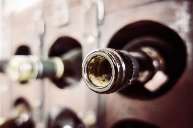 Alte hölzerne weiße flaschen noch Kostenlose Fotos