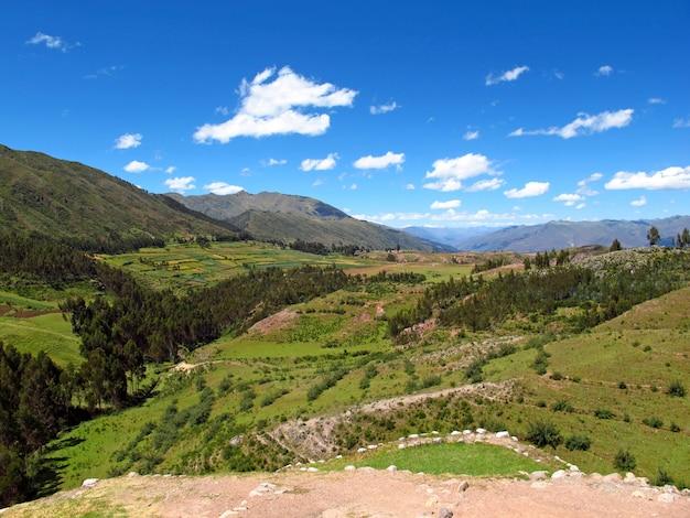Alte ruinen der festung in cusco, inka-reich, peru Premium Fotos