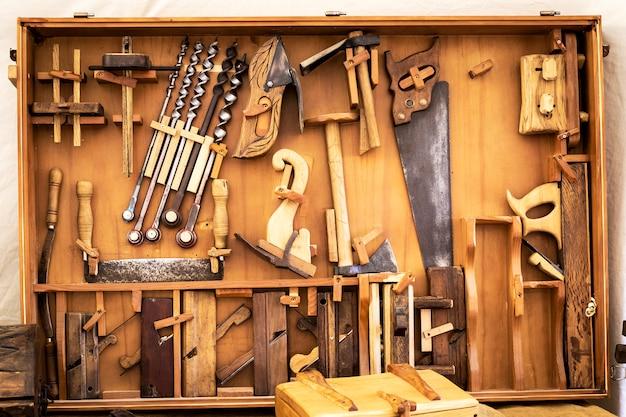 Alte tischlerhandwerkzeuge Premium Fotos