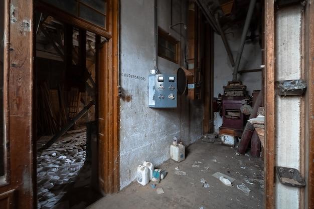 Alte verlassene mehlfabrik Premium Fotos