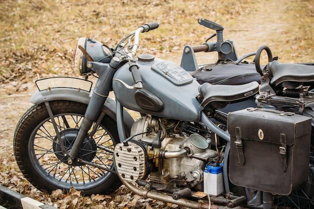 Alte vintage motorrad deutsche truppen Premium Fotos