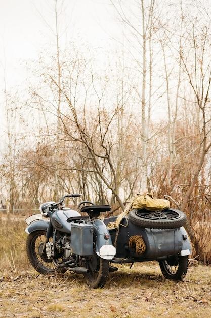 Altes deutsches motorrad auf dem freien Premium Fotos