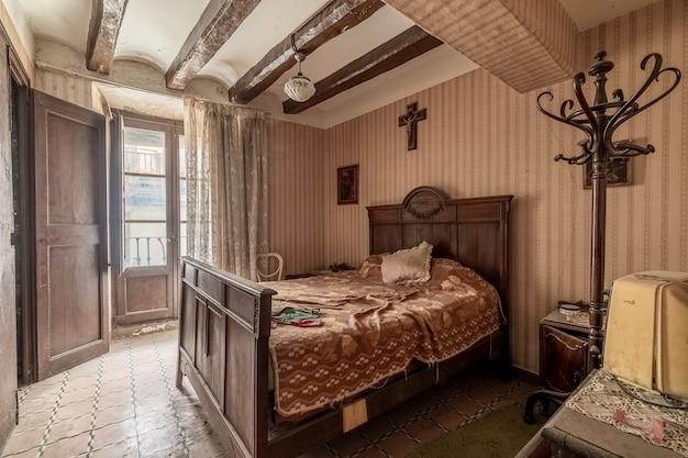 Altes schlafzimmer Premium Fotos