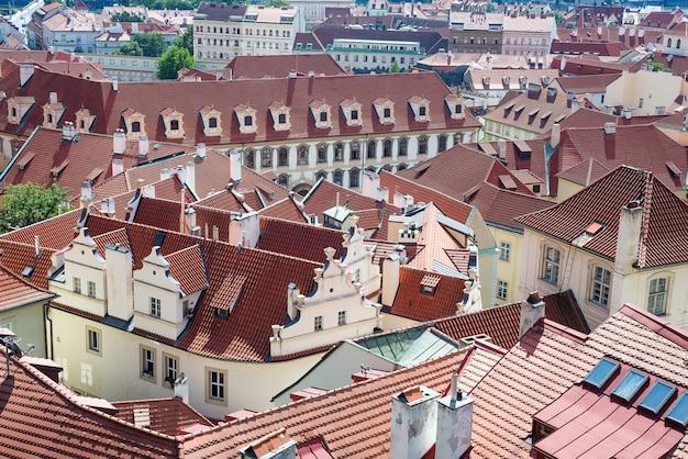 Altstadt stadtbild von prag mit roten dächern Premium Fotos