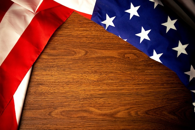 Amerika-flaggen-gedenktag mit hölzernem Premium Fotos