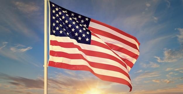 Amerikanische flagge, die im blauen himmel weht Premium Fotos