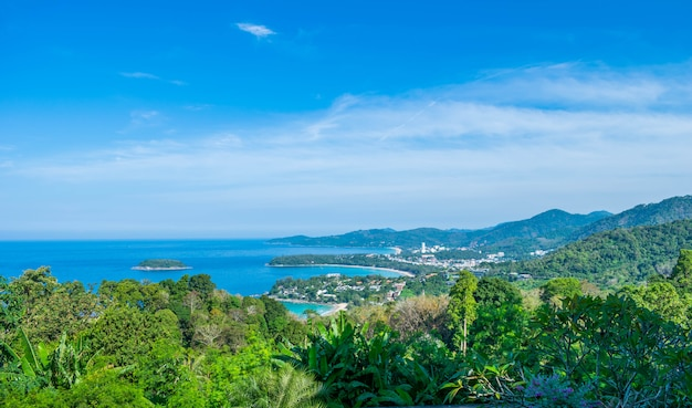 Andamanische landschaft von phuket. patong beach, karon beach, kata beach Premium Fotos