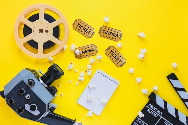 Anordnung der filmklappe mit filmstreifen Kostenlose Fotos