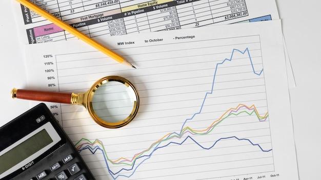 Anordnung der finanzelemente und grafik Kostenlose Fotos