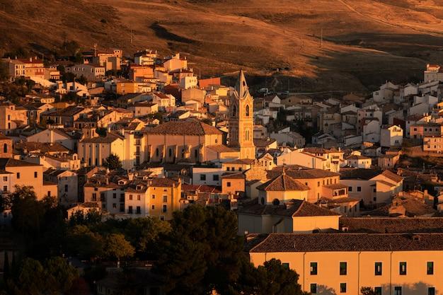 Ansicht von cuenca-hauptstadt in der region kastilien-la mancha in spanien. Premium Fotos