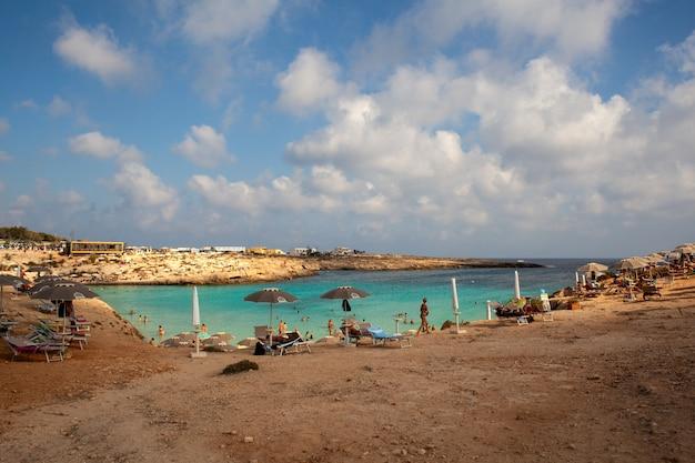 Ansicht von strand porto ntoni, lampedusa Premium Fotos