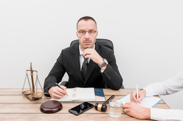 Anwalt mit mandant Kostenlose Fotos
