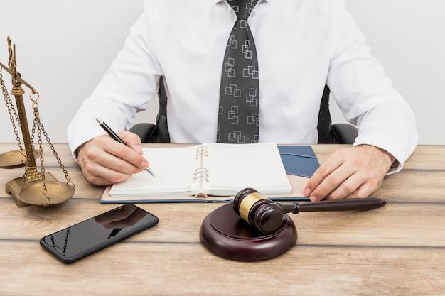 Anwalt schreibt termine Kostenlose Fotos