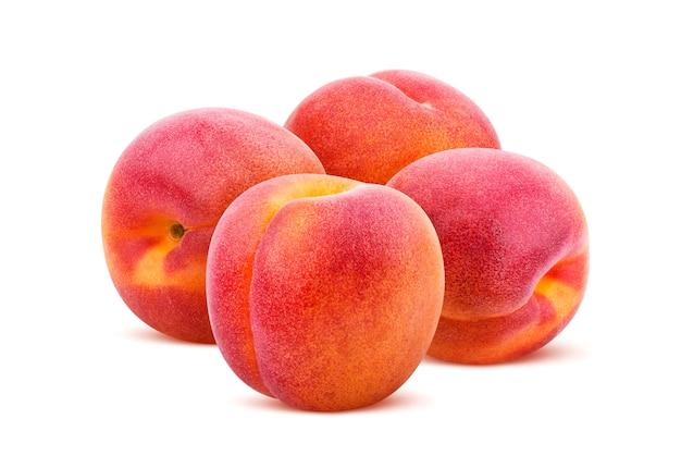 Aprikose isoliert. ansammlung aprikosen getrennt auf weißem hintergrund Premium Fotos