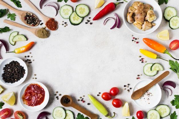 Arabische kebab sandwich zutaten flach liegen Premium Fotos