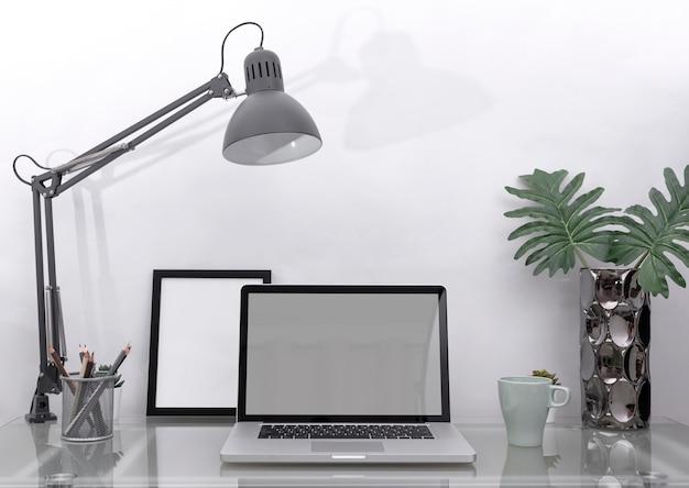 Arbeitsplatz-mockup-konzept. bürodekor-tischrechner mit ausrüstung. kreativer arbeitsbereich. Premium Fotos