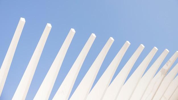 Architekturaufbau gegen den blauen himmel Kostenlose Fotos