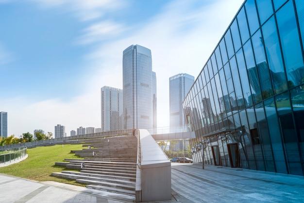 Architekturlandschaft des handelsgebäudes in der stadtmitte Premium Fotos