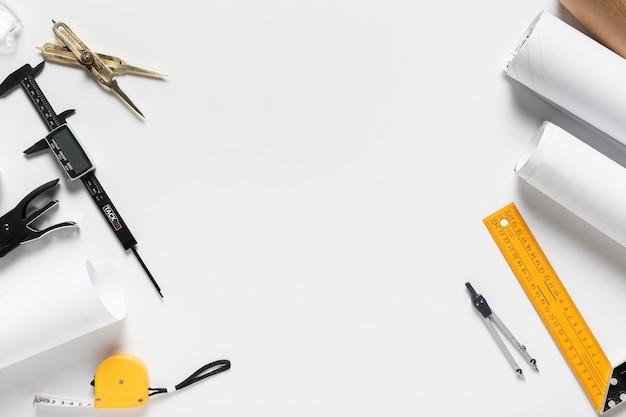 Architekturprojekt mit verschiedenen werkzeugen komposition mit kopierraum Kostenlose Fotos