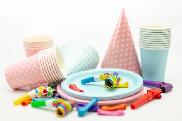 Arrangement mit dekorationen für kinderparty Kostenlose Fotos