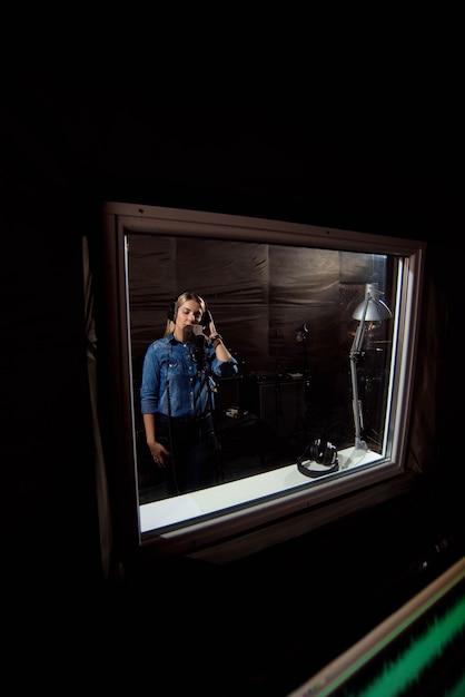 Aufnahmestudio kontrollraum. kommerzielles, modernes musical enviro Premium Fotos