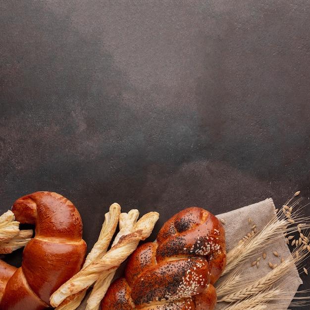 Auswahl an gebäck und croissants Kostenlose Fotos