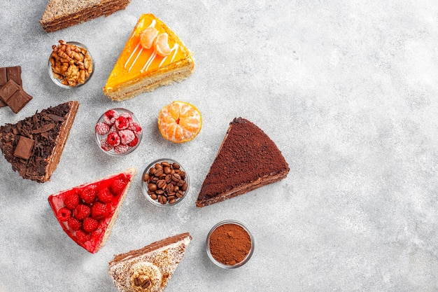 Auswahl an kuchenstücken. Kostenlose Fotos