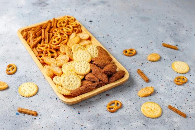 Auswahl an ungesunden snacks. Kostenlose Fotos