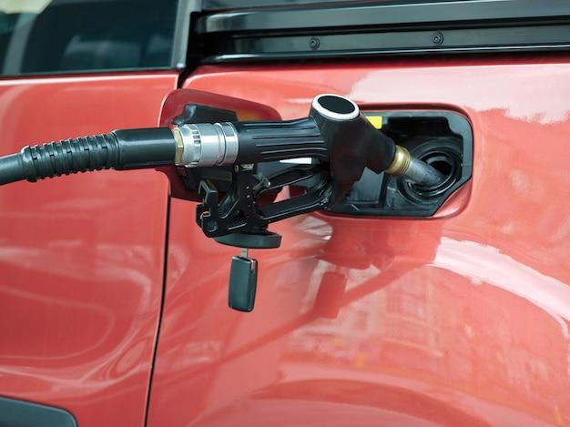 Auto tanken Premium Fotos