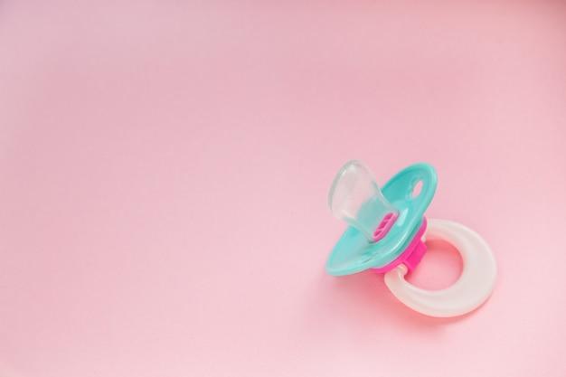 Baby schnuller minze blau Premium Fotos