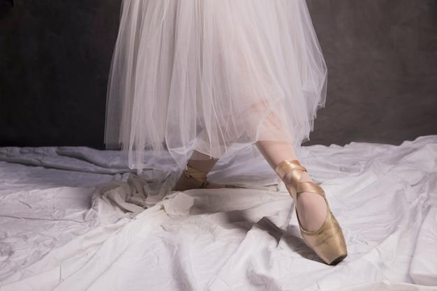 Ballettschuhe und rock hautnah Kostenlose Fotos