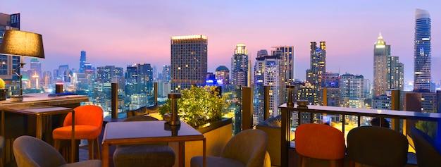 Bangkok-stadtstandpunkt von der dachspitzenstange Premium Fotos